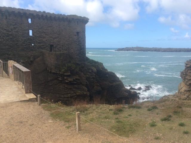 Le «Vieux Château » de l'île d'Yeu Iledyeu7