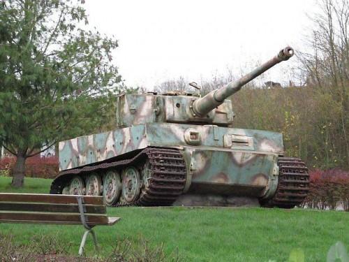 Il y a deux chars Tigre en France Tigre